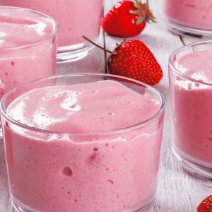 Lanche saudável e saboroso com Mousse Proteica de Morango